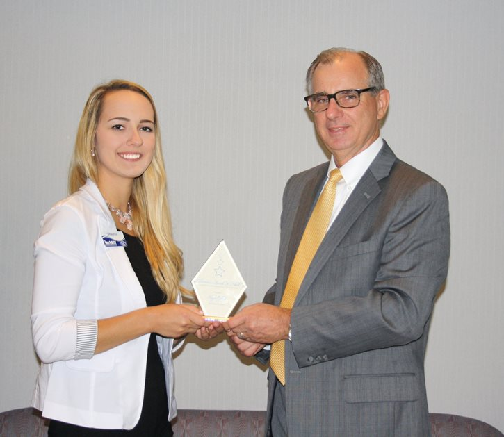 Employee Shayna Ostoyic wins Award
